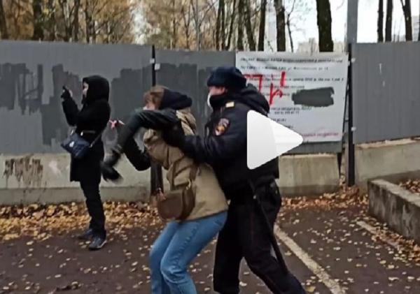 Полиция и ЧОП жестоко разогнала жителей Левобережного района